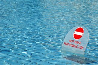 Illness caused by unhygienic hotel swimming pool